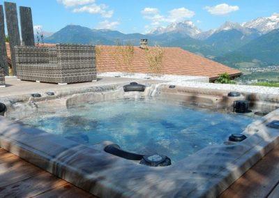 bain tourbillon encastré dans terrasse - Spa 6 places - Annecy Haute savoie